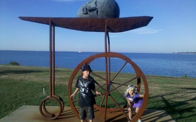 Picture of sculpture at Avery Point